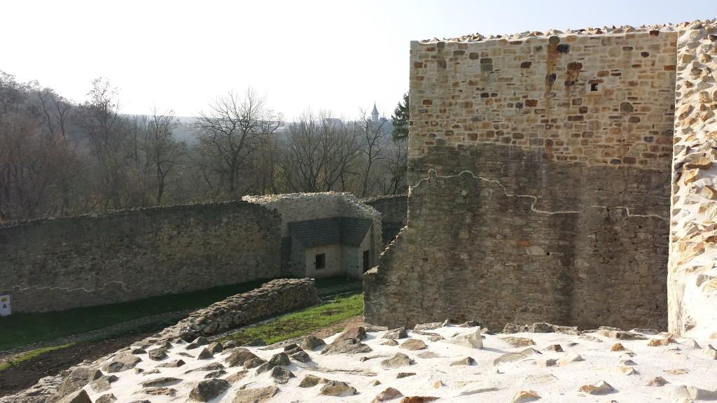 Ziduri exterioare interioare Suceava cetate