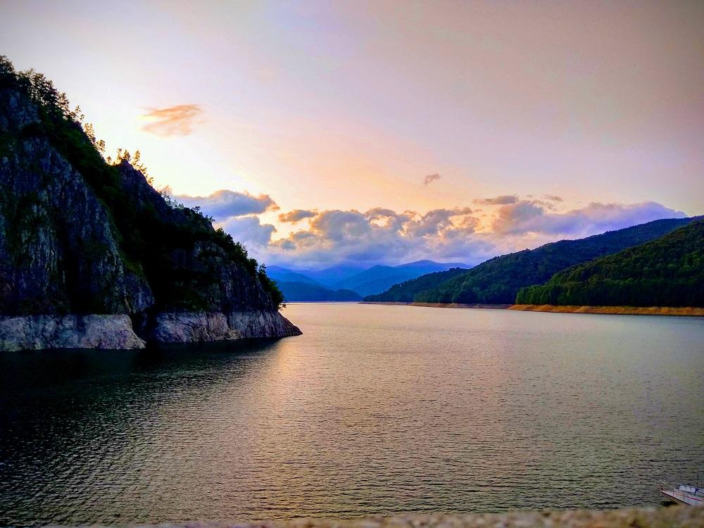 fotografie lacul bicaz din romania