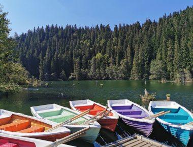calatorie la lacul rosu